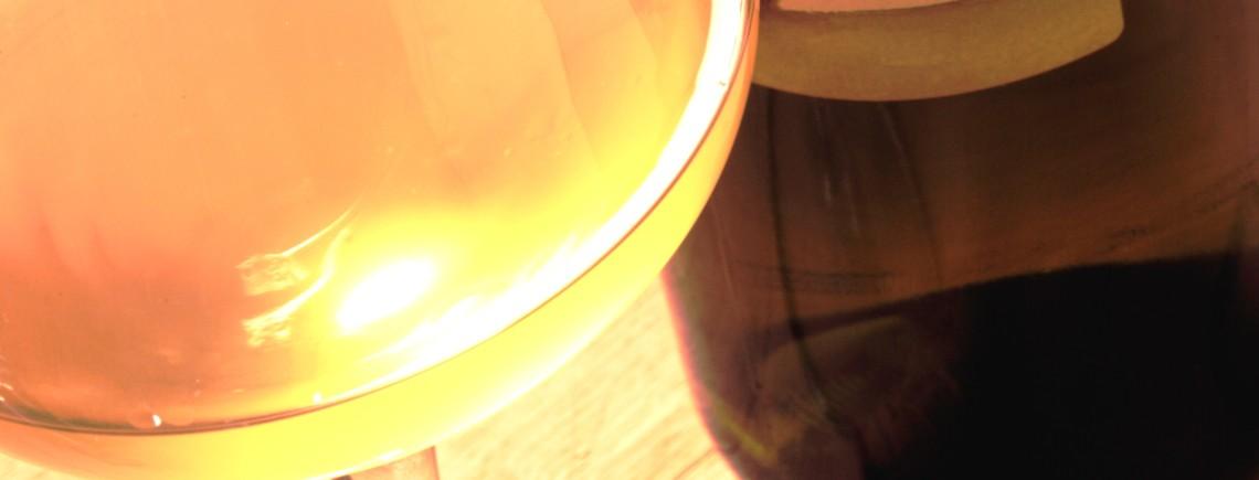donna-orgilla-bicchiere